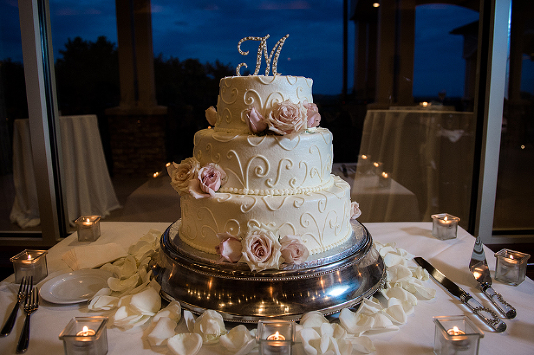 Lansdowne-Resort-Wedding-Leesburg-VA-Courtney-Jonathan | Kelly Ewell Photography with Connie's Cake Creations